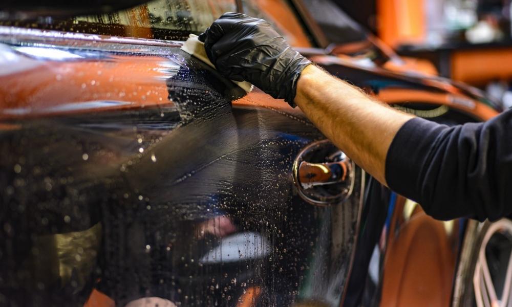 Comment bien lustrer sa voiture ?