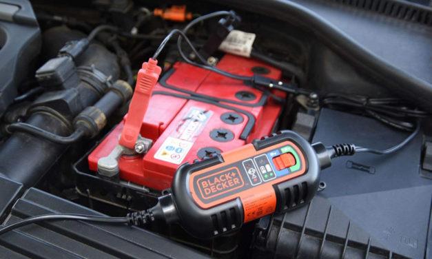 Chargeur batterie voiture : comparatif et guide d'achat